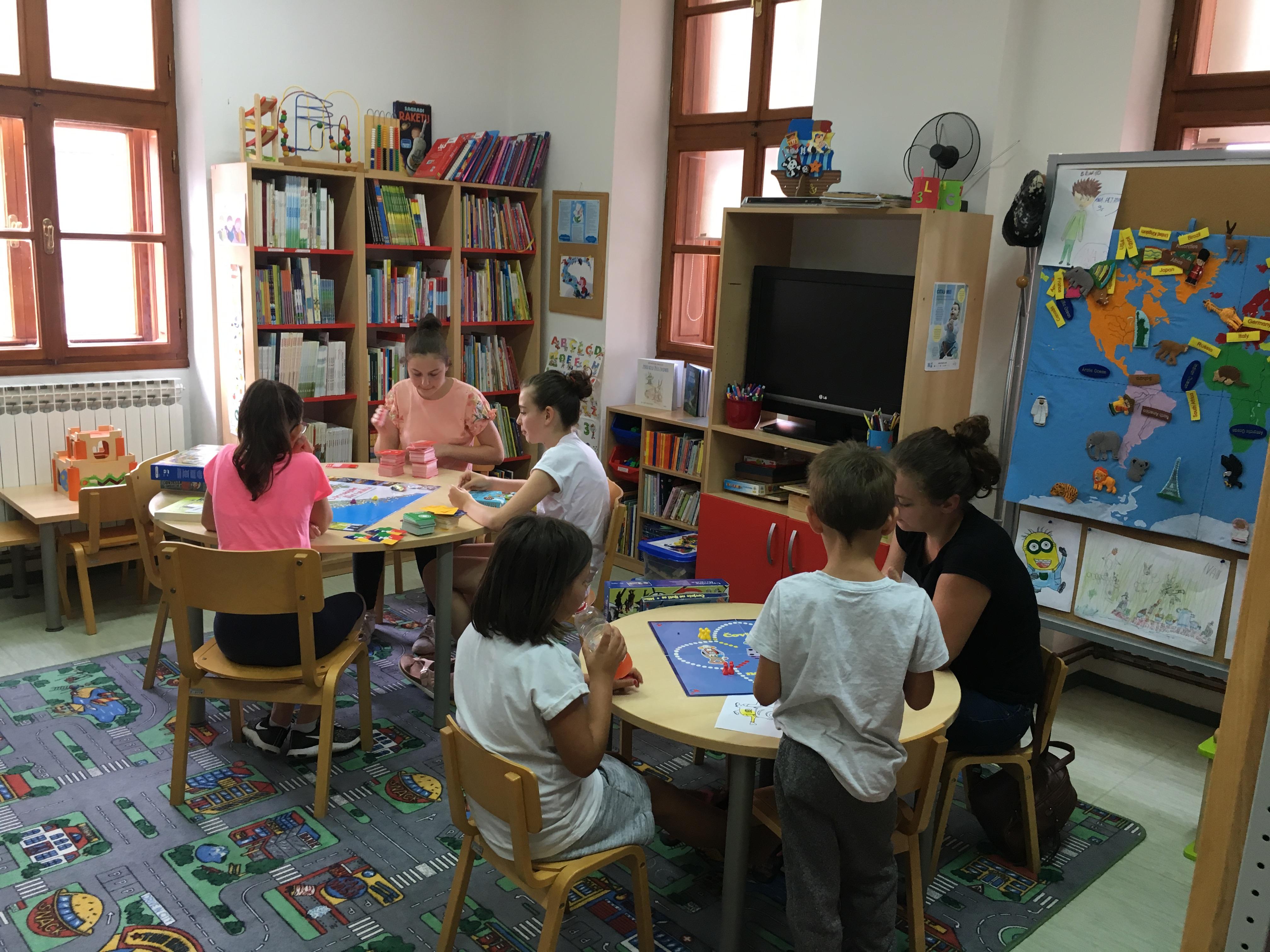 Popodne u knjižnici